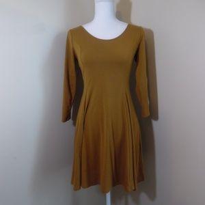 Forever 21 Mustard Dress Size Medium